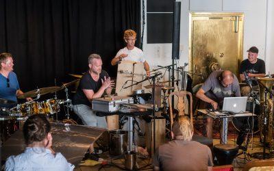 Raus og rytmisk Frioms.Org på indiescenen