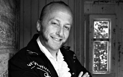 Bokbad & konsert med Levi Henriksen og Babylon Badlands