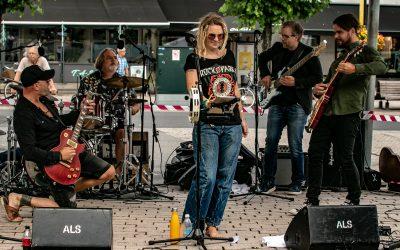 Rockeshow for små og store med Tomas F band